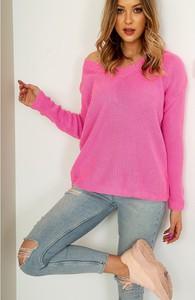 Różowy sweter ZOiO.pl z wełny w stylu casual