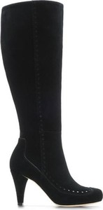 Czarne kozaki Clarks na szpilce przed kolano