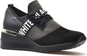 Buty sportowe CheBello na platformie sznurowane