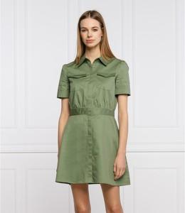 Sukienka Guess mini z kołnierzykiem