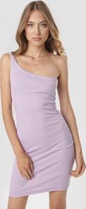 Sukienka born2be w stylu casual mini dopasowana