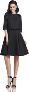 Czarna sukienka Lemoniade z szyfonu z okrągłym dekoltem z długim rękawem