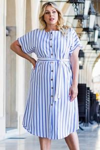 Niebieska sukienka KARKO z krótkim rękawem w stylu casual szmizjerka