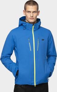 Niebieska kurtka 4F w sportowym stylu krótka