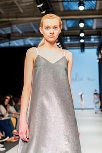Sukienka jolie su midi oversize z bawełny