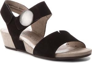 Czarne sandały tamaris z klamrami w stylu casual