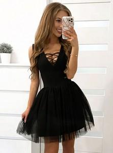 Sukienka Pakuten bez rękawów rozkloszowana