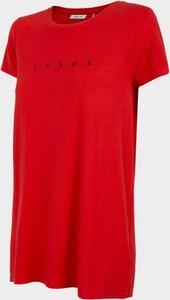 Czerwony t-shirt Outhorn z okrągłym dekoltem