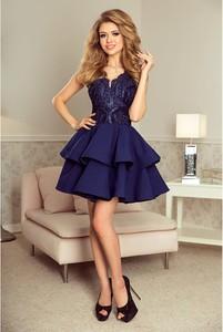 Niebieska sukienka NUMOCO rozkloszowana z dekoltem w kształcie litery v bez rękawów