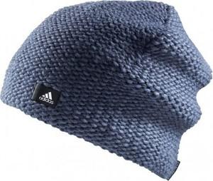 Niebieska czapka Adidas w street stylu