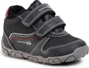 Czarne buciki niemowlęce Geox