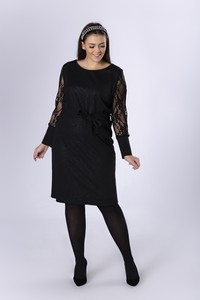 Czarna sukienka Ptakmoda.com z okrągłym dekoltem z długim rękawem
