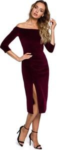 Czerwona sukienka MOE z weluru z długim rękawem