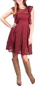 Czerwona sukienka Differenta.pl w stylu boho rozkloszowana