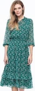Sukienka POTIS & VERSO midi z dekoltem w kształcie litery v z długim rękawem