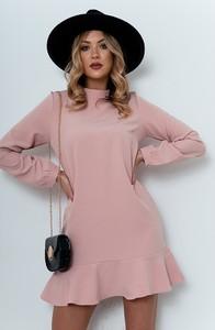 Różowa sukienka ZOiO.pl w stylu casual z długim rękawem