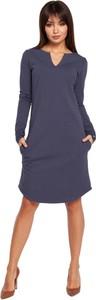Sukienka Merg trapezowa z długim rękawem z dekoltem w kształcie litery v