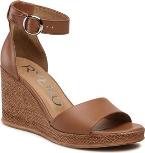 Brązowe sandały Ryłko na koturnie