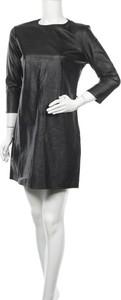 Czarna sukienka Asos z okrągłym dekoltem mini z długim rękawem
