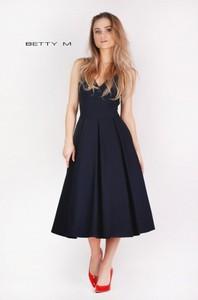 bf62de7ea7 sukienki damskie za kolano - stylowo i modnie z Allani