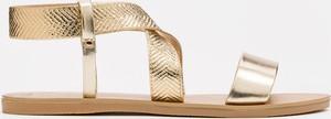 Złote sandały Kazar z płaską podeszwą ze skóry