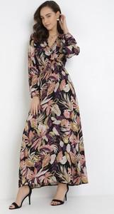 Sukienka born2be z długim rękawem w stylu boho z dekoltem w kształcie litery v