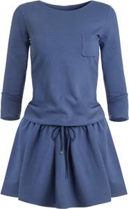 Niebieska sukienka Ivon mini z tkaniny z długim rękawem