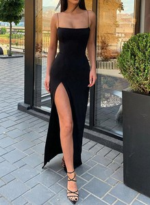Sukienka Arilook maxi na ramiączkach