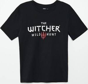 Czarny t-shirt Cropp z okrągłym dekoltem