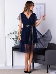 Sukienka Grandio z dekoltem w kształcie litery v wyszczuplająca