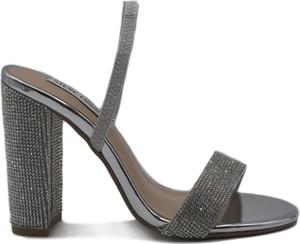Czarne sandały Steve Madden z klamrami