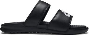 Czarne klapki Nike z płaską podeszwą w stylu casual