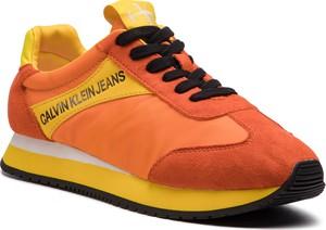 Pomarańczowe buty sportowe Calvin Klein w młodzieżowym stylu ze skóry ekologicznej