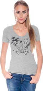 T-shirt Guess z dekoltem w kształcie litery v w młodzieżowym stylu