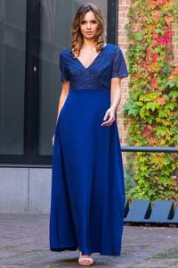 Sukienka Grandio z dekoltem w kształcie litery v z krótkim rękawem
