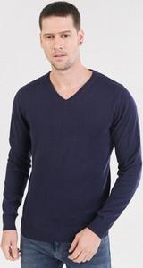 Granatowy sweter born2be