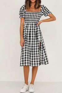 Sukienka Cikelly w stylu casual z krótkim rękawem z okrągłym dekoltem