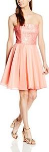 Różowa sukienka swing