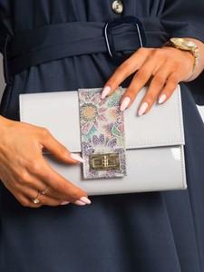 Torebka Rovicky w stylu glamour lakierowana ze skóry ekologicznej