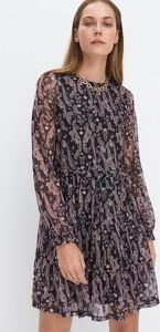 Czarna sukienka Mohito mini z dzianiny