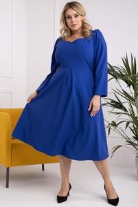 Sukienka KARKO w stylu casual dla puszystych midi