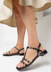 Czarne sandały born2be z klamrami ze skóry