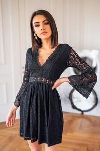 Czarna sukienka Popatu