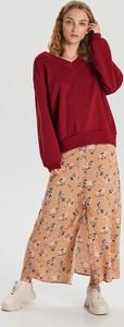 Czerwona bluza Cropp w młodzieżowym stylu krótka