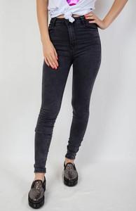 8ecccbf34d Jeansy Olika w młodzieżowym stylu z jeansu