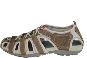 Brązowe sandały Geox z płaską podeszwą w stylu casual