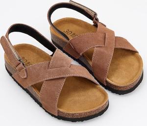 Brązowe buty dziecięce letnie Reserved ze skóry na rzepy