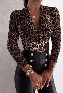 Bluzka Kendallme w stylu casual z długim rękawem z dekoltem w kształcie litery v