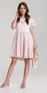 Różowa sukienka Renee mini rozkloszowana z krótkim rękawem