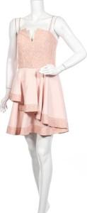 Różowa sukienka Rinascimento z okrągłym dekoltem mini bez rękawów